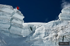 Jumping cliffs (Tristan Shu) Tags: cliff mountain ski france mountains alps ice sports sport canon jump freestyle action extreme 360 drop glacier tweak chamonix freeride saut glace frenchalps merdeglace extrem hautesavoie valleblanche 24105 lequipe rhonealpes summits serac freeski 24105mm xtrem canon50d guerlainchicherit wwwtristanshucom sracs lequipemagazine coreupt