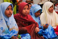 Adik-adik terhibur dengan persembahan kumpulan nasyid Sohwah (Ikatan Muslimin Malaysia Cawangan Hulu Langat) Tags: raya hari aidilfitri sambutan