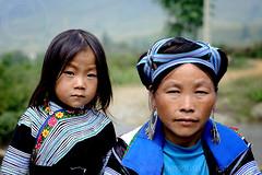 Generations (Rob Piazza) Tags: blue woman photography nikon photographer child vietnam fotografia sapa hmong mong ethnicminority robertpiazza robpazza