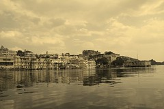 Udaipur.... (Tarun Chopra) Tags: travel india canon photography 7d gurgaon rajasthan udaipur bharat hindustan hindusthan canon7d indiatravelphotography rajasthaninwinters gurugram