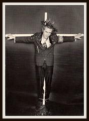 Sex Pistols 0130 (PostCardScan) Tags: punk postcard punkrock pil sidvicious anarchyintheuk stevejones holidaysinthesun johnnyrotten nancyspungen thesexpistols paulcook publicimageltd postcardscan johnlyndon