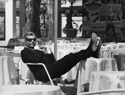 Marcello Mastroianni in Otto E Mezzo (1963) por cinema la superlativ.