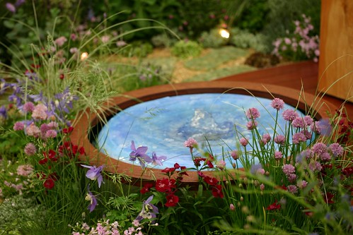 Circular garden pool