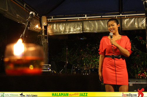 Halaman Monthly Jazz - Dira with Rio Moreno