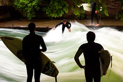 Wait and Watch (domlen) Tags: domlen europe germany bavaria bayern mnchen munich muc m eisbach englischergarten englishgarden prinzregentenstrasse surf surfing surfer water wave river city