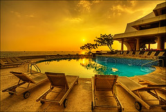 Royal Kona Sunset (abadonmi01) Tags: sunset pool hawaii hotel resort bigisland kona hdr kailua photomatix 3exp royalkona thepowerofnow