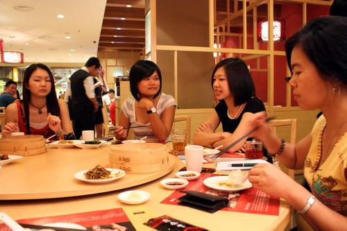 Din Tai Fung host 1