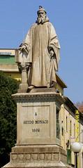 Statue_of_Guido_of_Arezzo