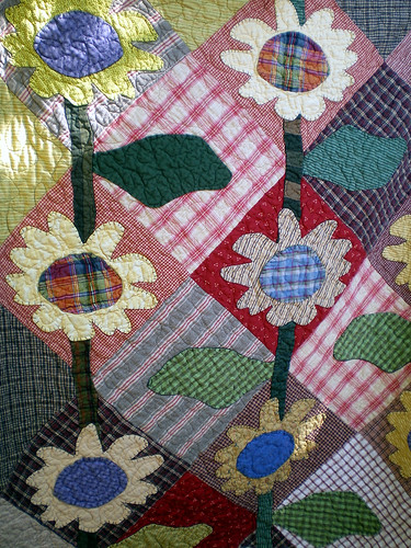 Sunflower Quilt by Donna Yackey