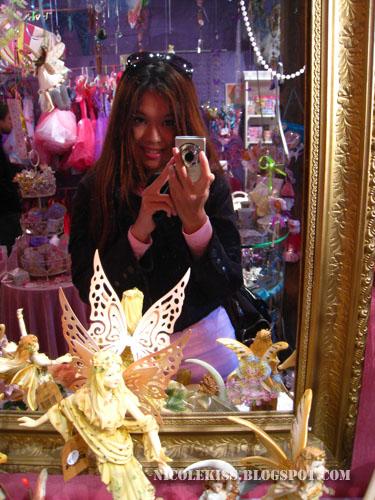 camwhore in fairy shop