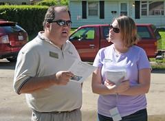 Brian Ames talks to Gina (habitatchampaign) Tags: foley thriventbuildshomes