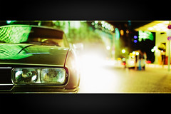 Peugeot 504 Coupe (96dpi) Tags: auto berlin classic car night 35mm nacht f14 platz potsdamer flare coupe peugeot 504 youngtimer ef35mmf14lusm