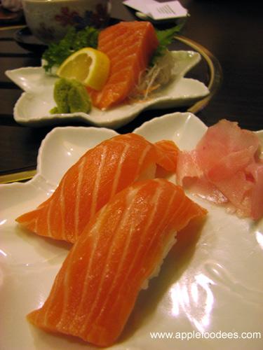 Nigiri Sushi (Salmon)