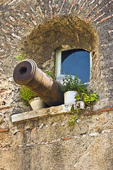 Ventana defensiva en Tetun (Patxi de Linaza) Tags: window ventana morocco medina chefchaouen marruecos patxi can chouen tetun xauen delinaza
