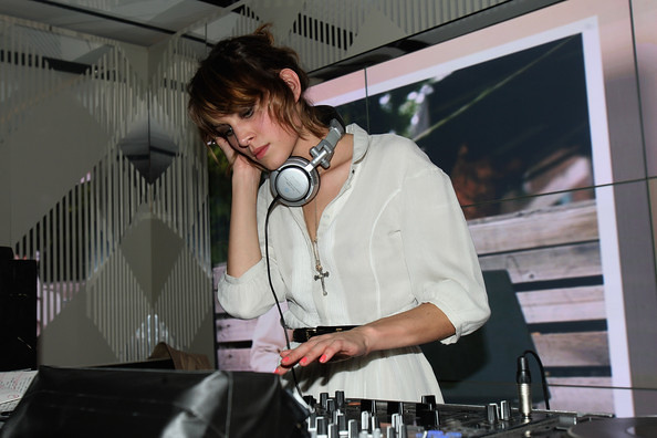Burberry Afterparty Spring Summer 2010 London uvsPz3yI8ajl