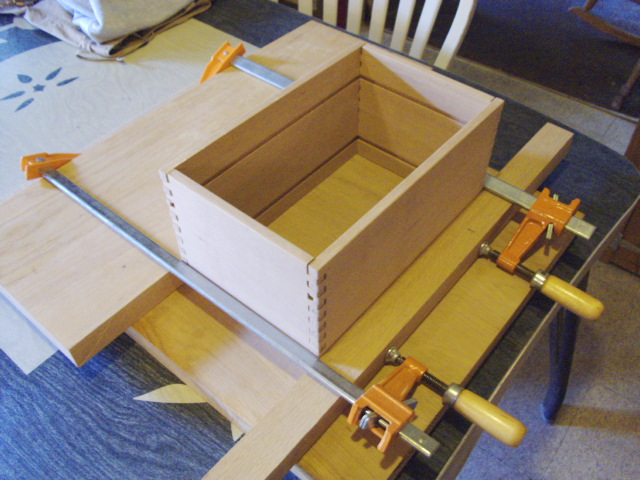 Box clamped for measuring...