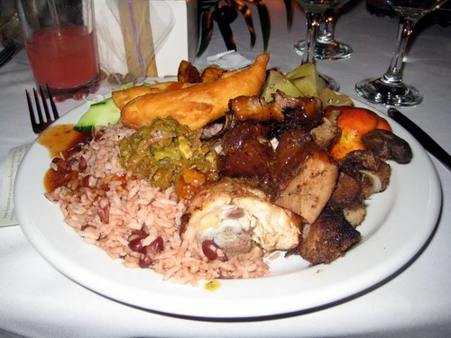 Jamaican Food Sampler (photographer unknown) por RasMarley.