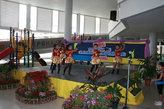 Thai girls dancing
