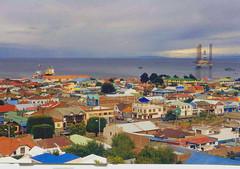 Punta Arenas parece un parchis (JuanJRuiz) Tags: chile city water colors gua america agua eau wasser ciudad colores roofs acqua aigua tejados magallanes puntaarenas akvo antarticachilena irwell115 cmdpuntaarenas