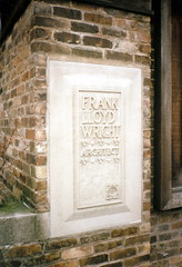 1996-1201 Frank Lloyd Wright Home Museum, Oak Park Illinois (CanadaGood) Tags: usa illinois oakpark franklloydwright museum sign il analog 1996 printfilm architecture america slidefilm seattlefilmworks sfwdigital color colour building canadagood nineties text