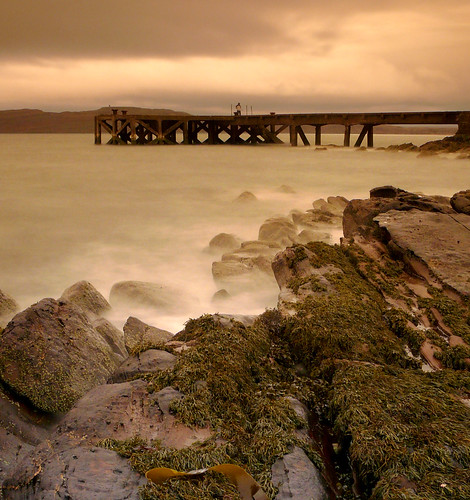 Rocks and pier Portencross 23Feb09