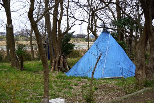 多摩川河原の小屋