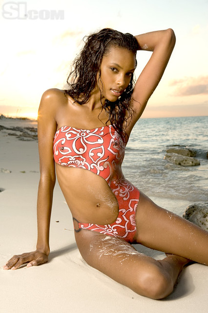 American model Quiana Grant in bodypaint