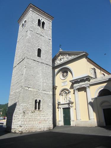 Magasztos Mária-templom és a ferde-torony