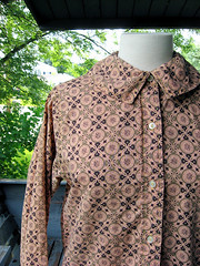 1950s pink and gold print cotton blouse