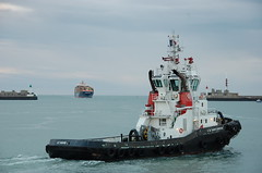 VB SAINTE ADRESSE & MSC ELA (LeHavreShips) Tags: port boat photo view ships vessel container msn tug tugs ela lehavre remorqueurs   tug
