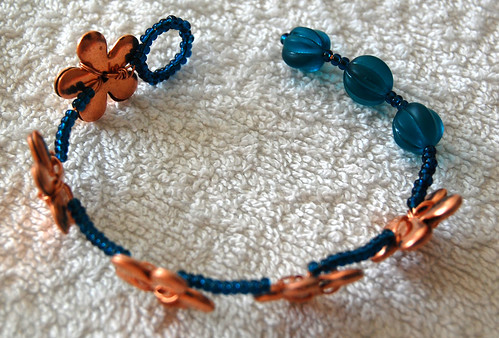 Daisy Chain Bracelet Tutorial