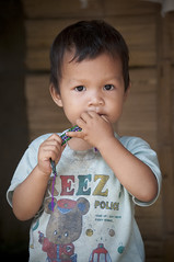 Thailande (Grard Leme) Tags: portrait children thailand nikon bangkok tailandia tai enfants siam enfant thailande  d300    thaimaa  tajlandia  thaifld   tajland gwladthai  taland