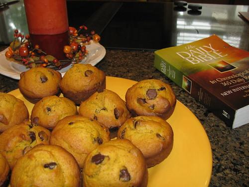 pumpkin chocochip muffins