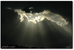 AND WAS LIGHT- Y fue la luz (yokopakumayoko) Tags: sardegna nuvole cielo sole luce lenuvole raggio nuoro squarcio flickraward yokopakumayoko cielodisardegna