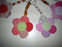 Chaveiros flor (Atelie Amor a Arte) Tags: decoupage tecido chaveiro