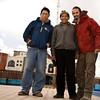 L'ethnologue Wilfredo Ccopa Mamani, Sabino Soncco,, militant pour la communauté, et moi (Crucero, Puno, Pérou, août 2009)
