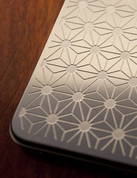 LUXE PLATES FOR iPHONE