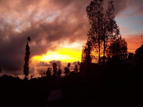 Panorama elok matahari terbit di desa Ngadas (Nina/Yesy)