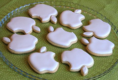 Apple Logo Cookies (Whipped Bakeshop) Tags: apple macintosh applelogo logocookie cookies3 applecookie zoelukas whippedbakeshop bestofphilly2010 philadelphiacakescookiesandcupcakes