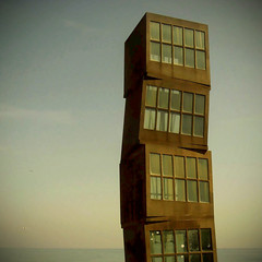 4 (insomnia.) Tags: barcelona sea sky sculpture beach mar playa cel escultura cielo barceloneta cubes frontpage platja cubos explored