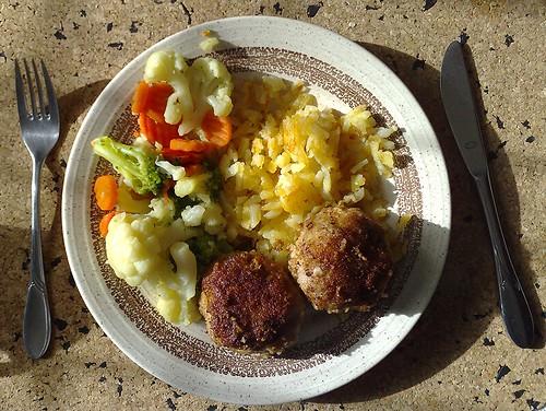 Frikadellen, Gemüse & Rösti
