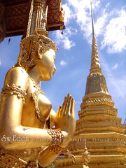 How to Respect in Thailand (The SW Eden ( )) Tags: blue sky cloud angel temple gold golden respect goldenpagoda thaiancientart