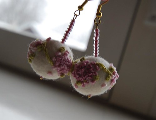And another pair of felt bead earrings
