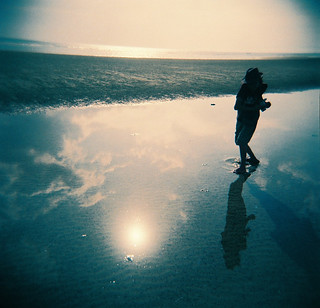Holga fever, beach have not a hot temperature.