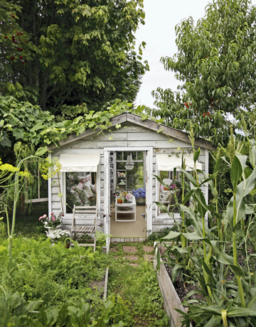 glam greenhouse via CountryLiving2