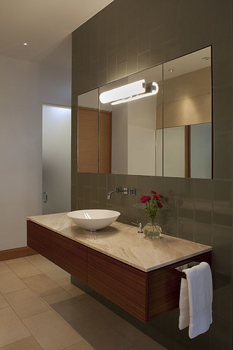 Bathroom - Dick Clark Architecture
