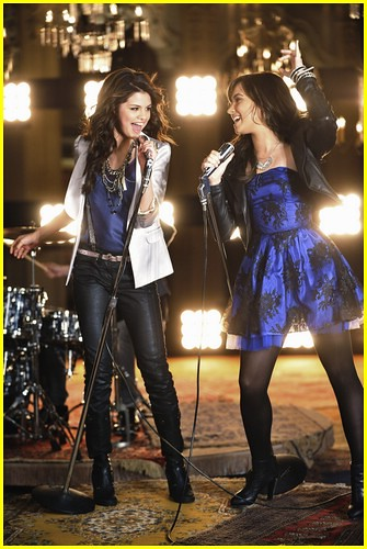 selena gomez and demi lovato one and the same. selena-gomez-demi-lovato-one-
