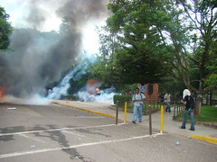 represión en la UNAH 5 de Agosto con balas de goma por Protesta