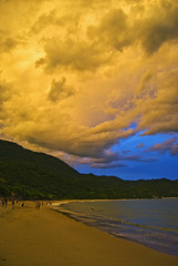 Shine on (Alê Santos) Tags: brazil praia beach brasil paraty parati soe ranchos trindade