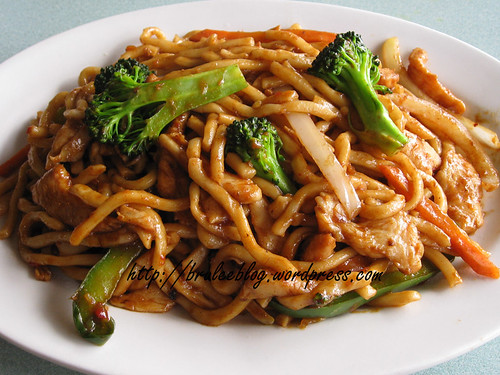 satay Shanghai noodles